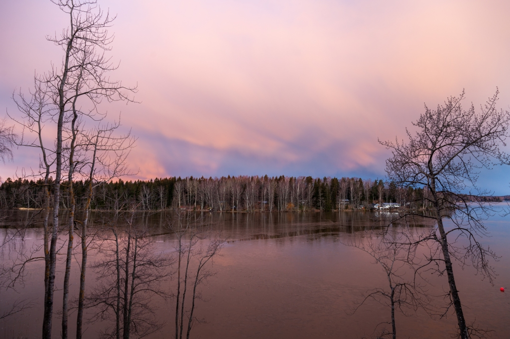 1st week in Lohja, escaping coronavirus, sunrise in Lohjanjärvi